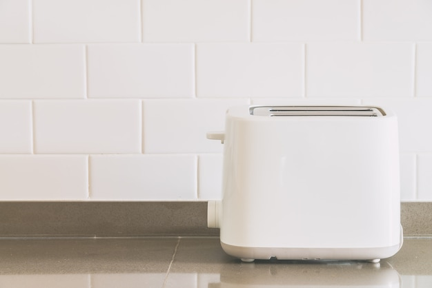 台所でパンのトースター 無料写真