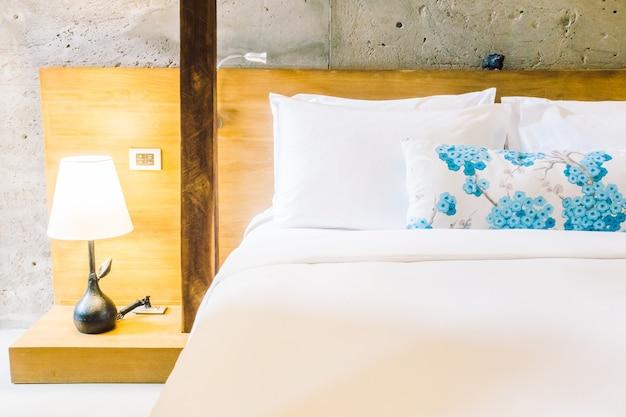 Подушка на кровать Бесплатные Фотографии