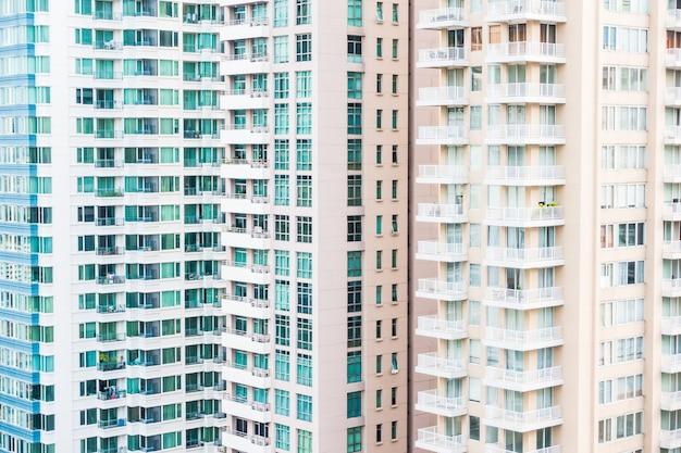窓建築パターンの外観 無料写真