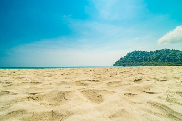 美しい自然の熱帯のビーチ 無料写真