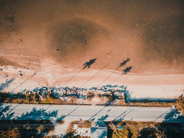 ビーチと海の美しい空撮 無料写真