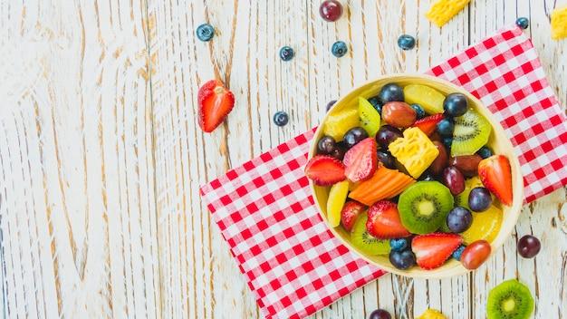ミックスフルーツと盛り合わせフルーツ 無料写真