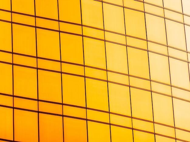 建築事務所ビルの抽象的な窓ガラス外装 無料写真