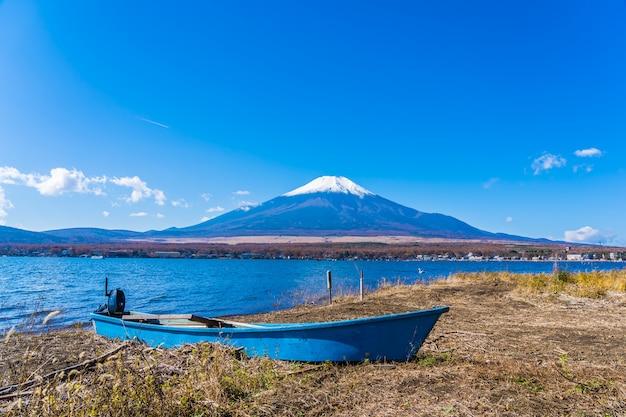 Красивый пейзаж горы фудзи вокруг озера яманакако Бесплатные Фотографии