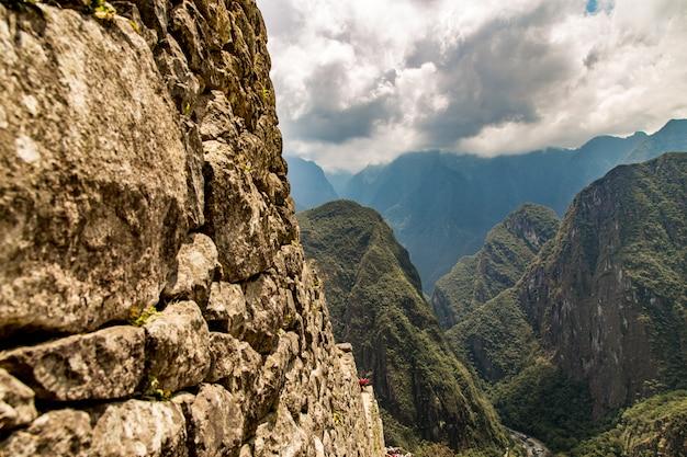 マチュピチュ、クスコ、ペルー、南アメリカ。ユネスコの世界遺産 Premium写真