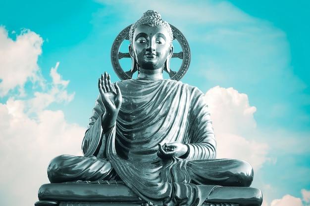 Статуя будды Premium Фотографии