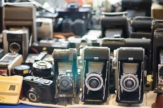 古いビンテージ写真カメラセットのグループ Premium写真