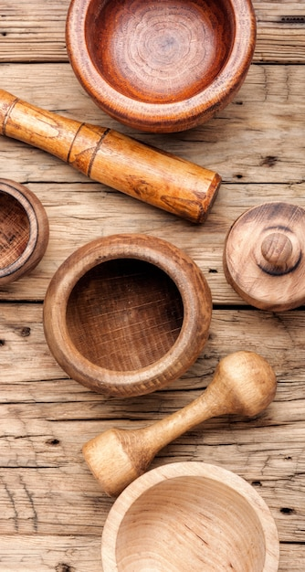 木造乳鉢と乳棒 Premium写真