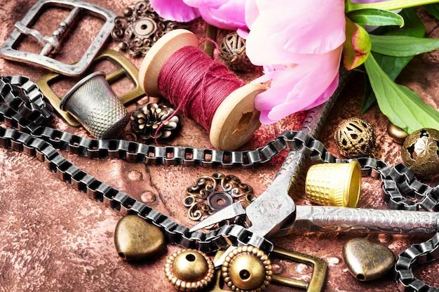 レトロな宝石類のコレクション Premium写真