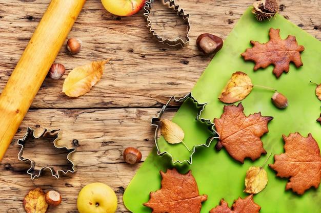 秋の象徴的なクッキー Premium写真