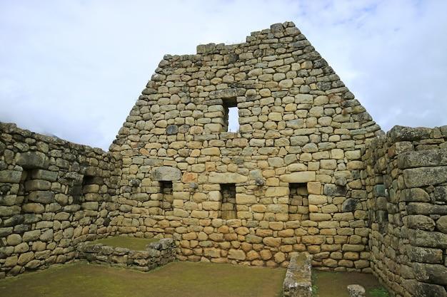 マチュピチュ城塞のインカ建築遺跡 Premium写真