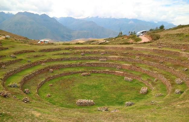 ペルーのインカの聖なる谷のインカの農業テラス、モレイの遺跡 Premium写真