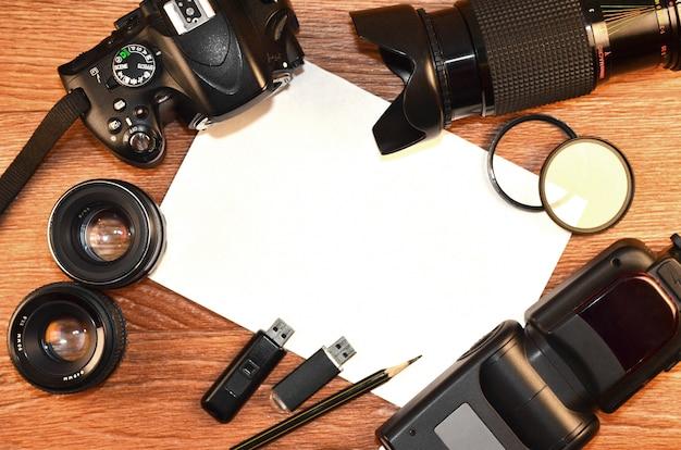 デジタルフォトカメラキットのある静物 Premium写真