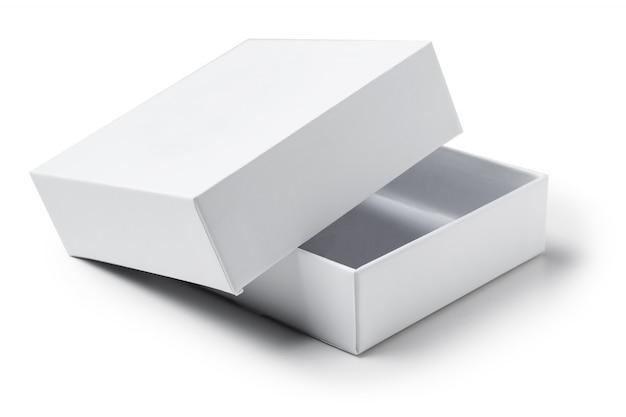 分離した白地に白いオープン段ボールギフトボックスを閉じる Premium写真