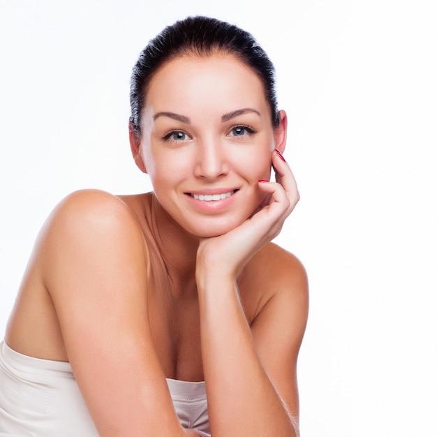 笑顔美人のきれいな顔 Premium写真