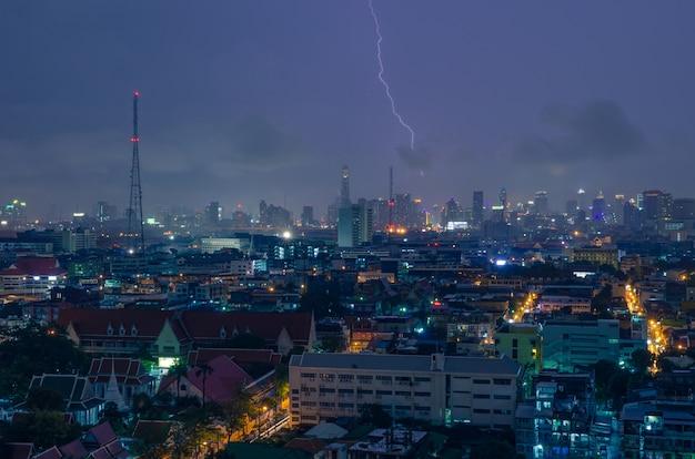 雷嵐の夜。 Premium写真