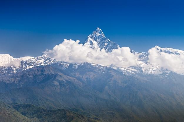 マチャプフレとアンナプルナの山々 Premium写真