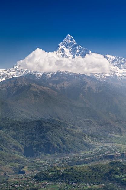 Мачапучхре и аннапурны горы Premium Фотографии