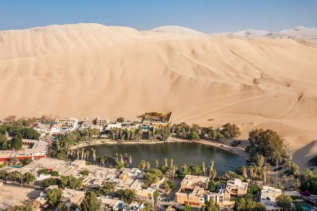 Дюны пустыни уакачина Premium Фотографии