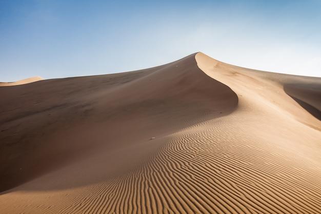 ワカチナ砂漠の砂丘 Premium写真