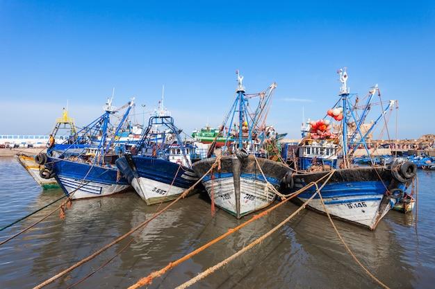 エッサウィラの漁船 Premium写真