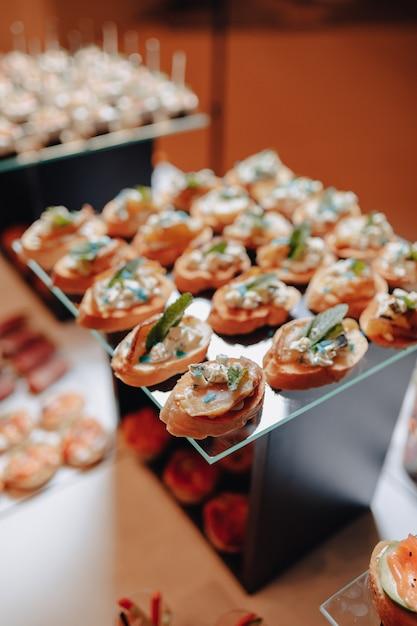 カナッペや美味しいお食事をご用意した美味しいお祝いビュッフェ Premium写真
