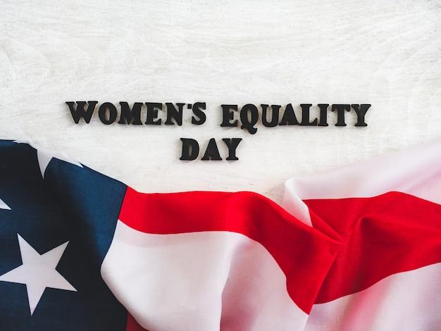 女性の平等の日のための美しいカード。閉じる Premium写真
