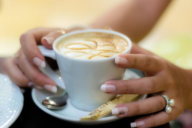 コーヒーの手 無料写真