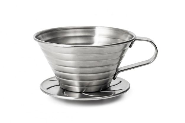 ステンレス鋼のコーヒーカップは、白い背景で隔離。コーヒードリッパーカップ。 Premium写真