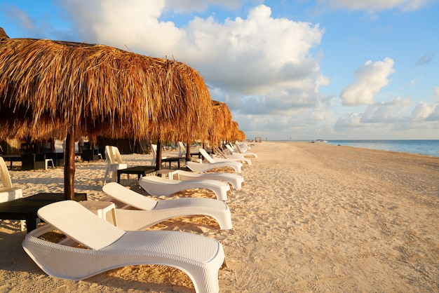 Ривьера майя восход пляж в мексике Premium Фотографии