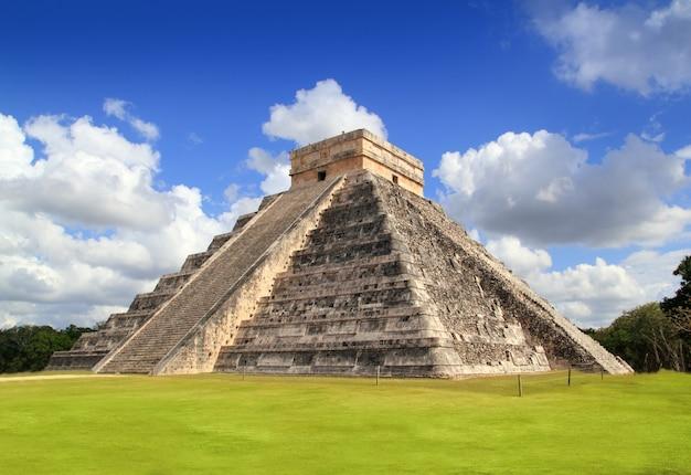 Древняя чичен-ица храм пирамиды майя мексика Premium Фотографии