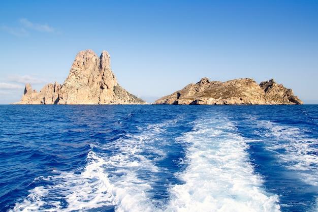 Островок эс ведра и острова ведранелл в голубом Premium Фотографии