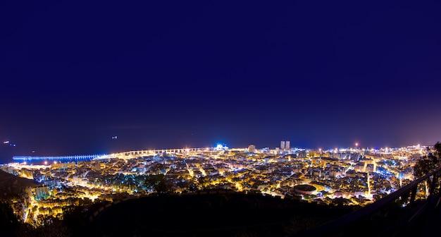 空中の夜サンタクルスデテネリフェカナリア諸島 Premium写真