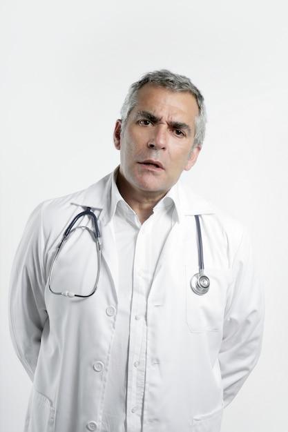 白の医師上級専門知識白髪 Premium写真