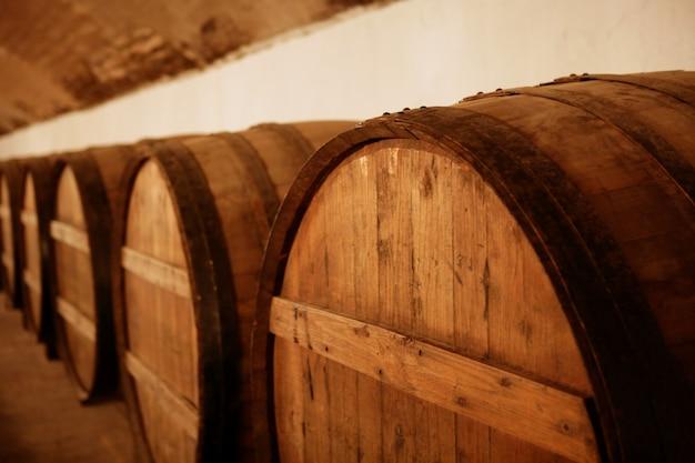 天然木ワインゴールデンバレルセラー Premium写真