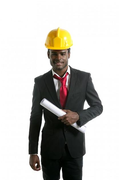 アフリカ系アメリカ人建築家エンジニア黄色ヘルメット Premium写真