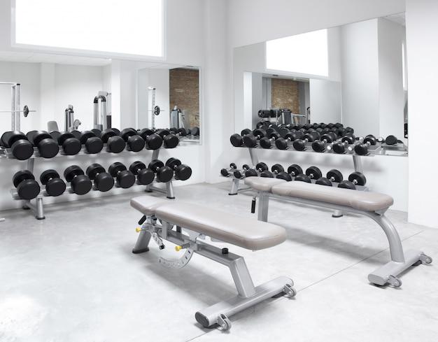 フィットネスクラブ筋力トレーニング器具 Premium写真