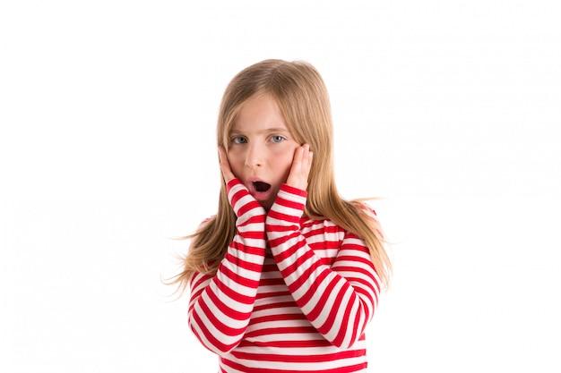 金髪の子供女の子悲しい驚いたジェスチャー表現 Premium写真