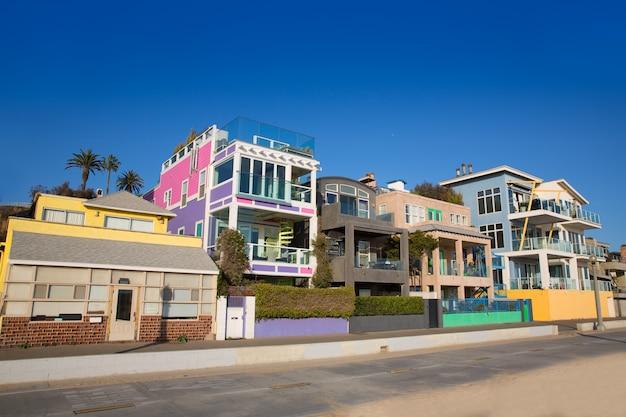 サンタモニカカリフォルニアのビーチのカラフルな家 Premium写真