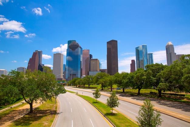 現代の高層ビルとヒューストンテキサスのスカイライン Premium写真