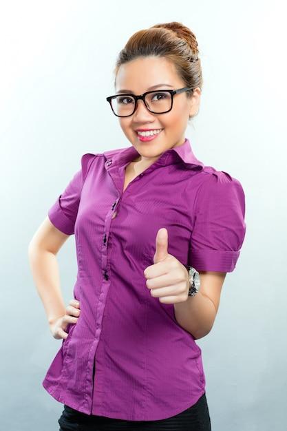 アジアビジネスの女性が成功 Premium写真