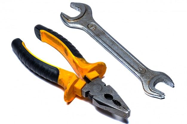 Изолированные клещи инструмент для электрика Premium Фотографии