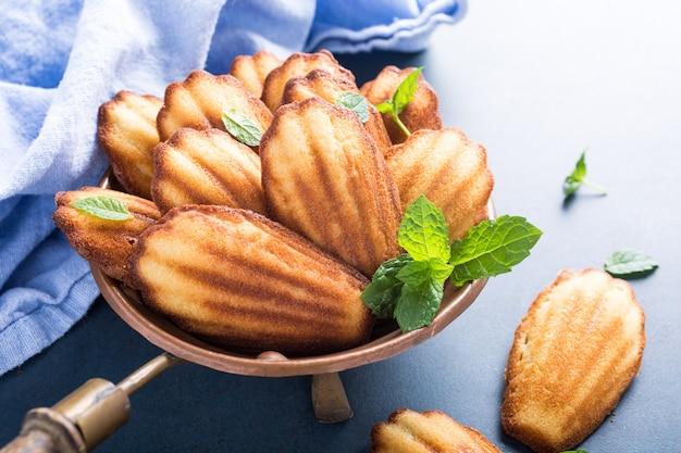 自家製アニスクッキーマドレーヌ Premium写真