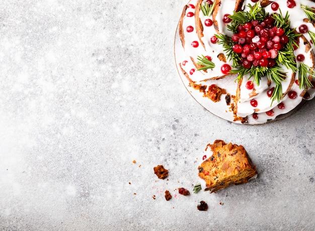 Рождественский фруктовый торт, пудинг, выпечка Premium Фотографии