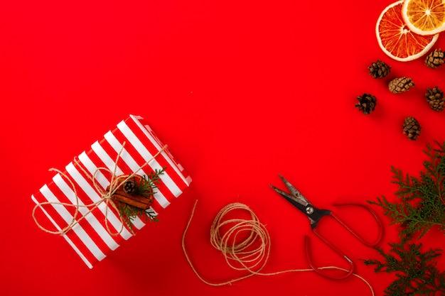 Рождественские коробки подарки Premium Фотографии