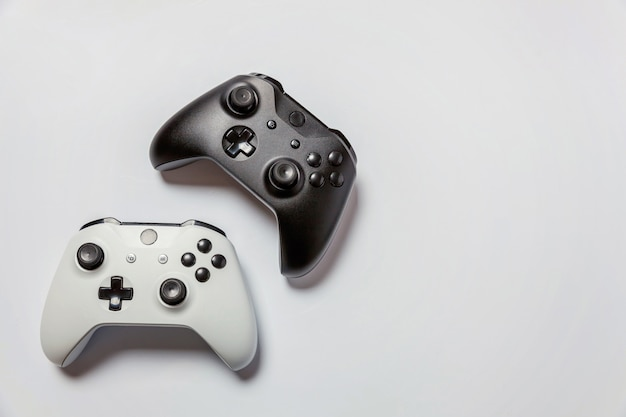 白と黒のジョイスティック Premium写真