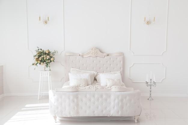 Роскошная спальня Premium Фотографии