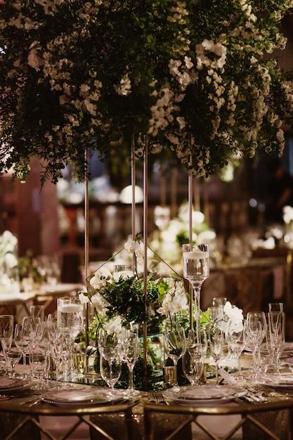 レストランのような美しいテーブルの詳細 無料写真