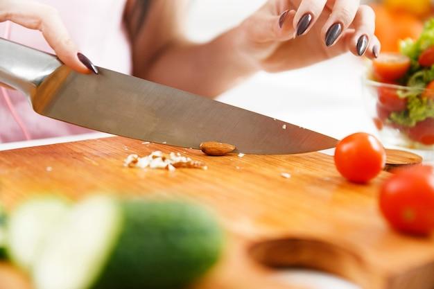 Як правильно вибрати кухонний ніж?