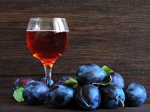 Сливовое вино картинки